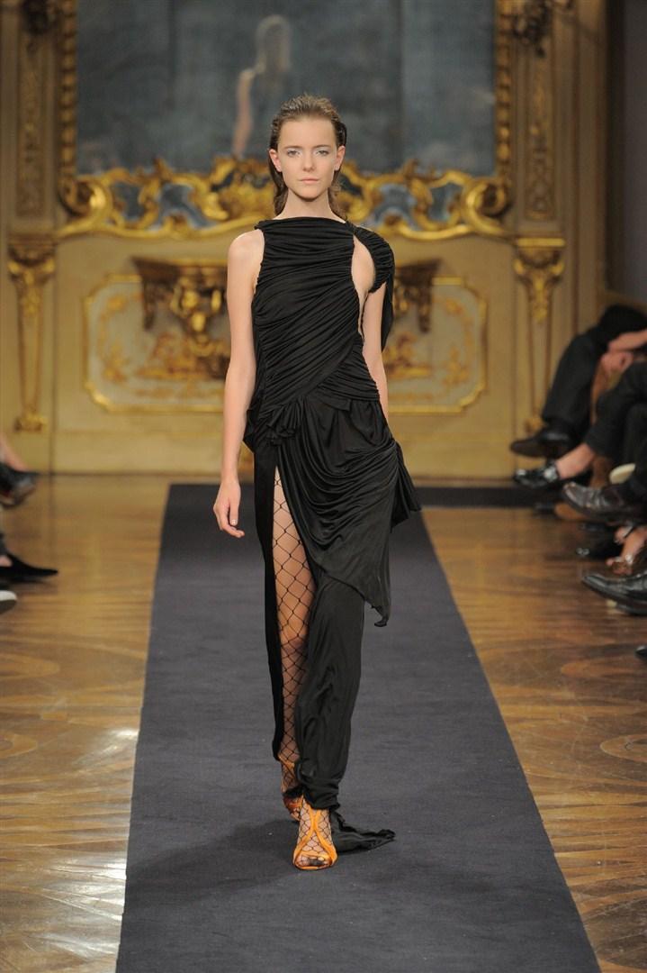 купить черное длинное платье в пол