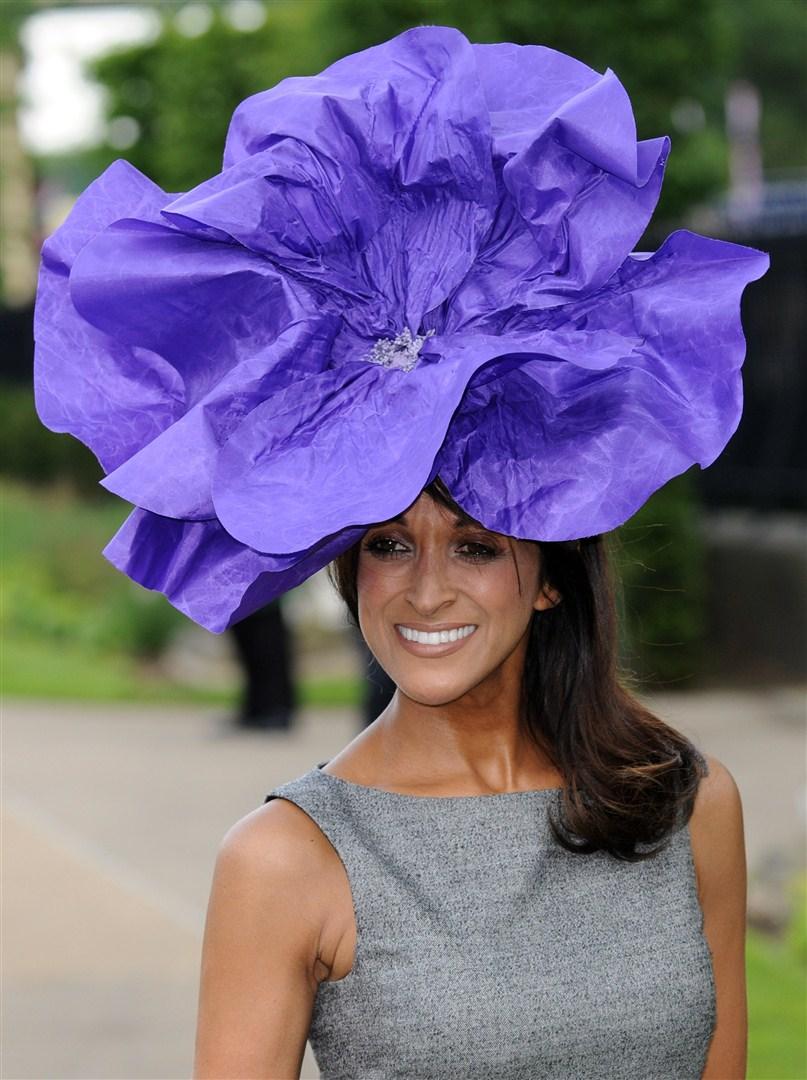 Цветок-шляпка для девочки своими руками